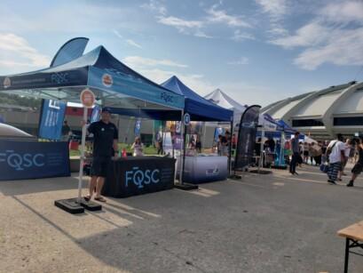 Le kiosque de la FQSC lors des Premiers Vendredis