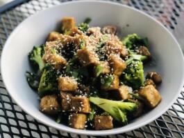 Saute De Legumes Verts Au Tofu Caramelise3