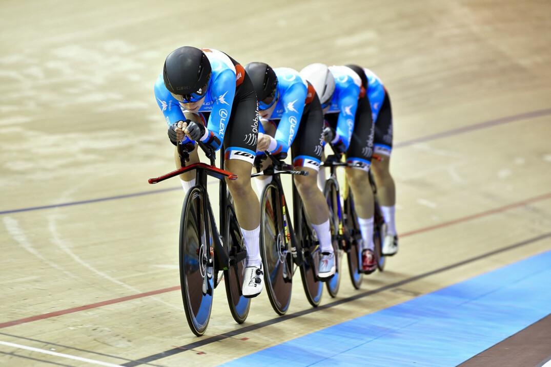 Twcb18 Wwb51130 Canadian Cyclist
