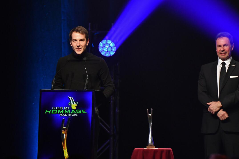 Yannick Bédard remporte le titre d'entraîneur de l'année lors du Gala Sport-Hommage Mauricie.