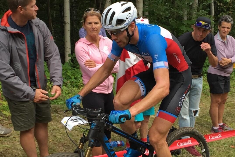 Léandre Bouchard lord des Championnats du monde de vélo de montagne UCI.