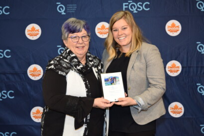 Hélène Soulard, membre du conseil d'administration de la FQSC, en compagnie d'Émilie Goulet de Garneau.
