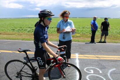 Une coureuse de la formation du Club cycliste Boucherville - Vélo 2000.