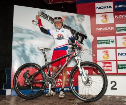 Marie Helene Prémont qui termine sur le podium à l'issue de la saison en Coupe du monde