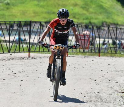 Marianne Theberge remporte la septième tranche de la série Coupe Canada XCO