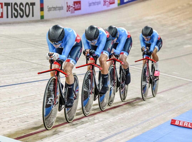 La délégation canadienne a terminé en quatrième place lors de la poursuite par équipe jeudi, aux Mondiaux en Allemagne.