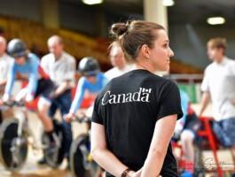 Entraîneur de l'équipe canadienne avec les femmes