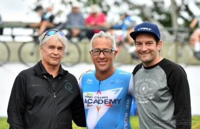 Louis Barbeau, Sylvan Adams et Nicolas Legault lors des Championnats québécois de cyclisme sur piste