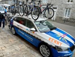 La voiture de l'équipe du Québec pour le projet.