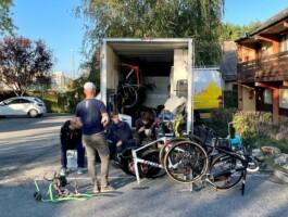 Le camion qui accompagnait l'équipe du Québec durant le projet.