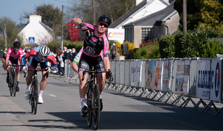 Raphaël Parisella remporte la 2e étape du Tour du Pays de LesnevenCP-Michaël Gilson