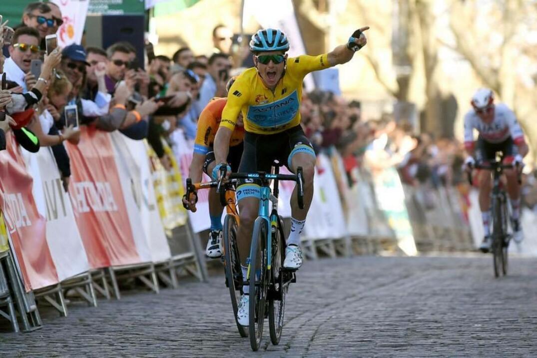 le Danois Jakob Fuglsang, coéquipier d'Hugo Houle avec Astana, a remporté la quatrième étape vendredi.