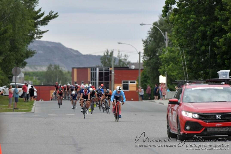 Les coureurs ont roulé à vive allure toute la course atteignant parfois 60 km/h