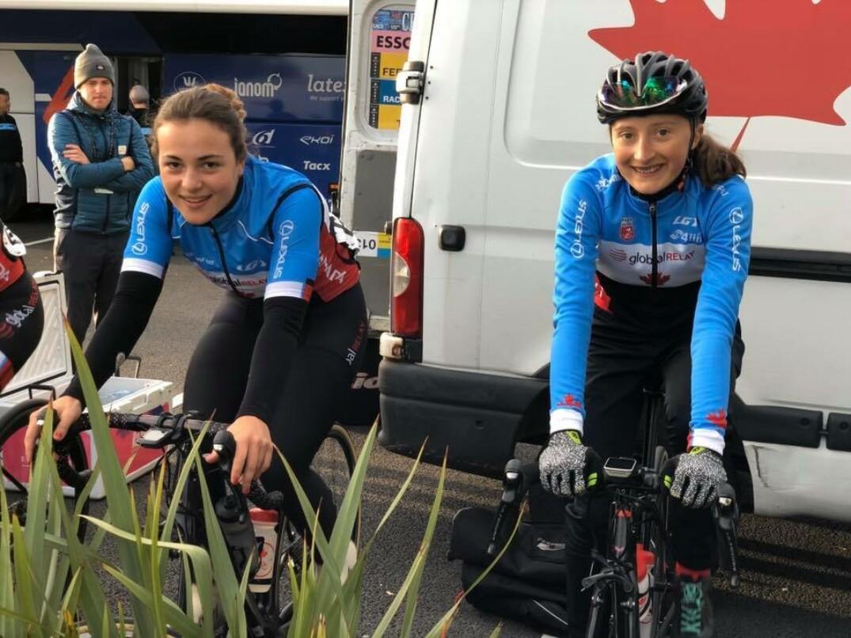 Adèle Desgagnés et Magdeleine Vallières-Mill en période d'échauffement pour la course sur route vendredi