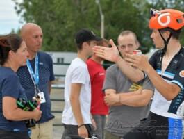 Mathias Guillemette parle avec son entraîneur