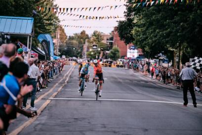 Victoire de Pier-André Côté aux Mardis cyclistes de Lachine
